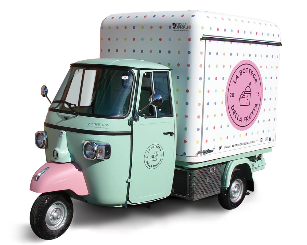Food Piaggio Ape Van for smoothies and juicers vending in Milan
