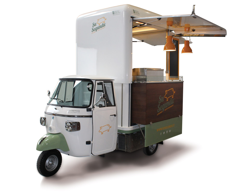 Food van Piaggio selling second courses of the Sardinia tradition