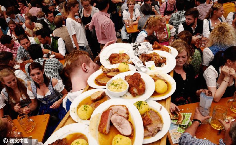 Oktoberfest a Monaco di Baviera è uno degli eventi street food più grandi di Germania