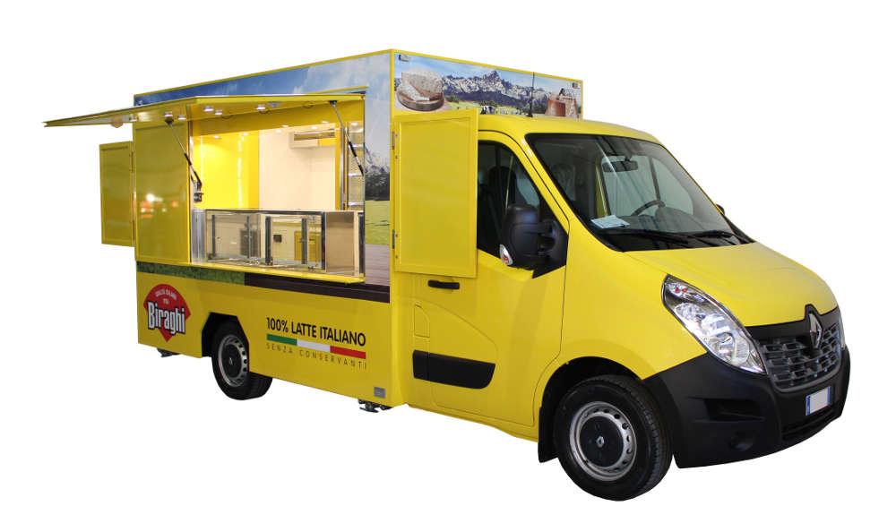 Furgone Food Truck Renault Master Biraghi con vetrina espositiva per promozione itinerante