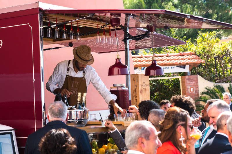 Noleggio di ape street food con servizio catering per tour promozionali, festival ed eventi. Esempio ape bistrot 1799