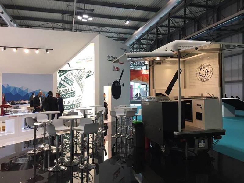Promo truck realizzato per l'azienda Pentole Agnelli utilizzato alla fiera per attività promozionale