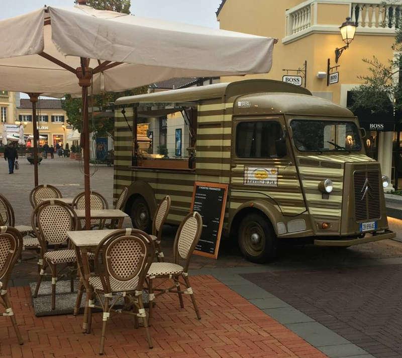 """citroen type hi trasformato in food truck per vendita pasta fresca """"ravioli di pia"""""""