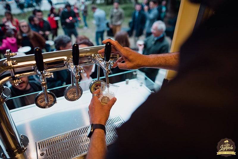 ape birra con sistema di spillatura a tre vie