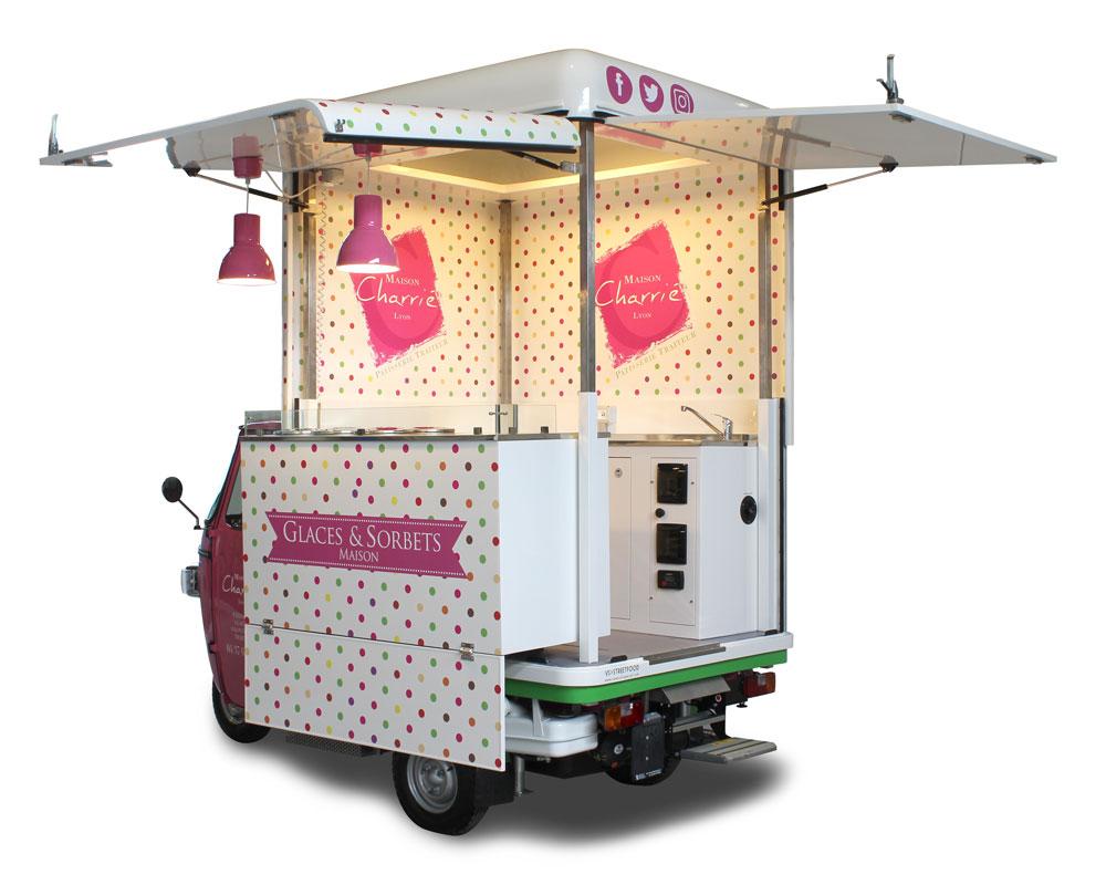 ape piaggio gelateria itinerante venduta in francia per Maison Charrie