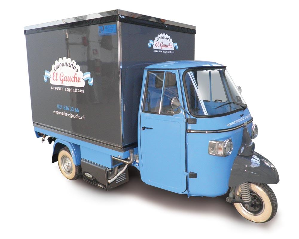 Apecar for street vendors equipped to sell argentinian empanadas. El Gaucho