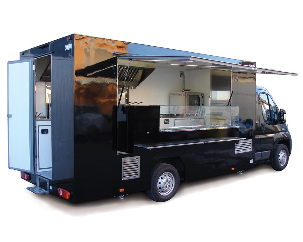 Fiat Ducato truck with fully equipped kitchen all black - Stars in the street
