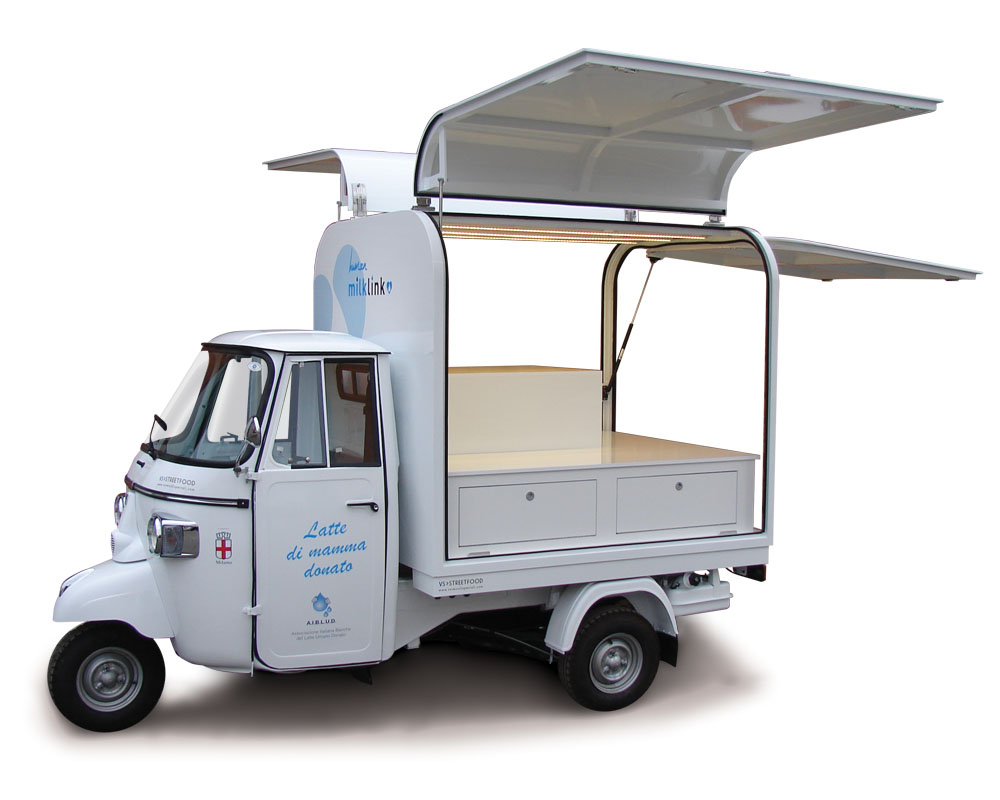 Promotional Piaggio truck for Mamige organization