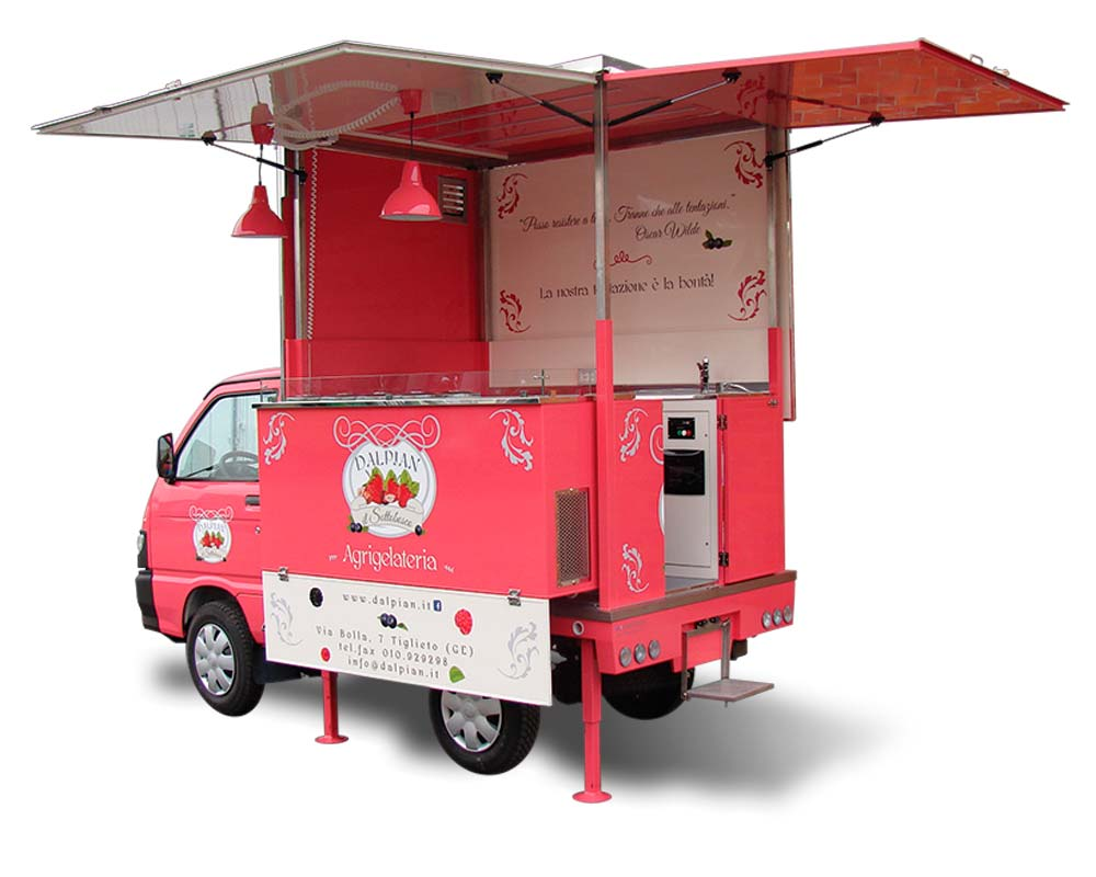Ape piaggio per vendita itinerante di gelati - Agriturismo Dalpian