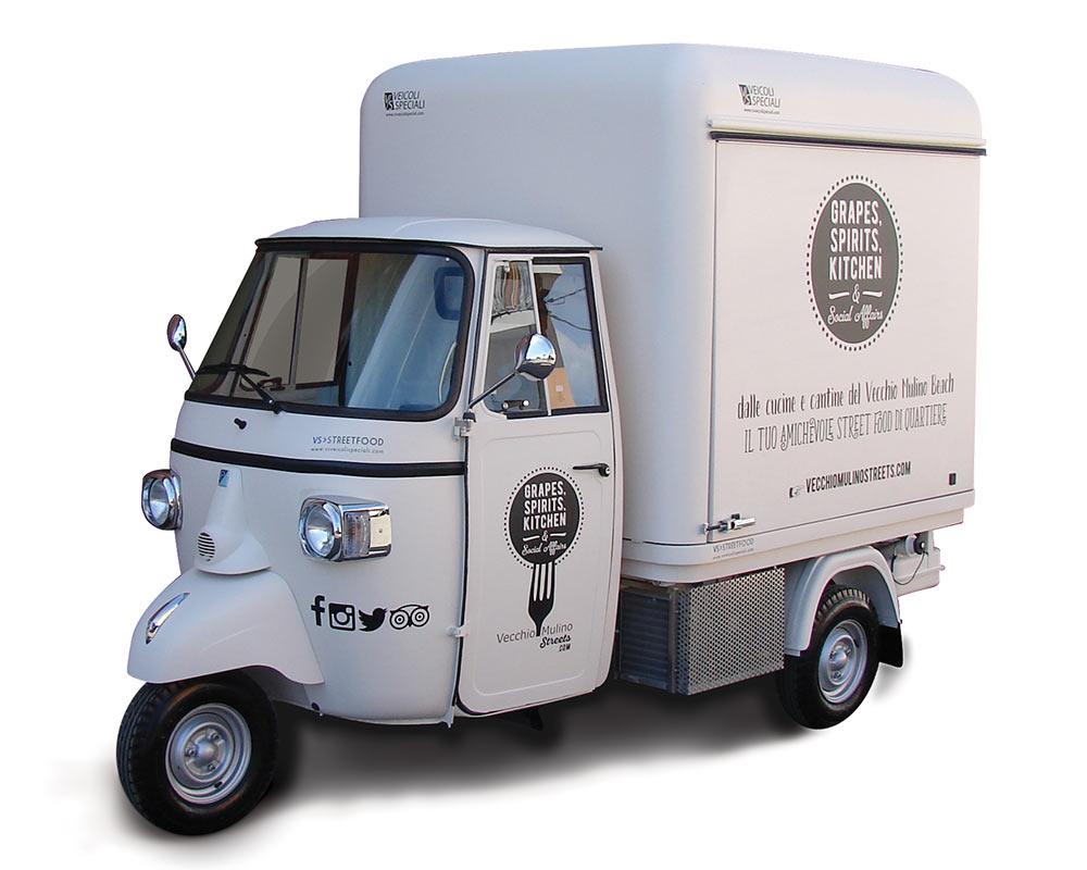 Vecchio Mulino Beach becomes a mobile restaurant on a Piaggio Ape Van