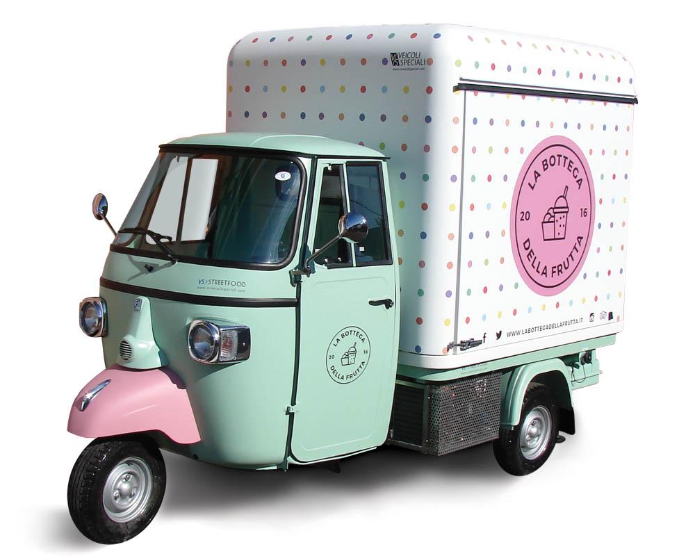 Food Piaggio Ape Van for smoothies and juicers vending in Milan