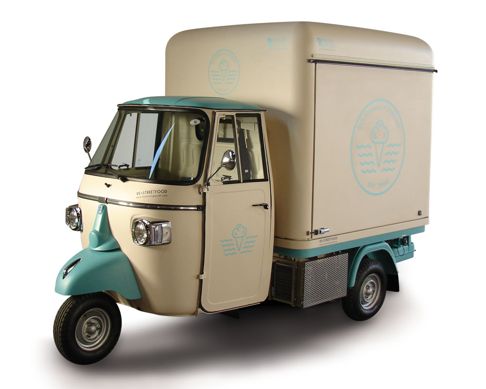 mobile ice-cream shop LePiscine street trading in Lombardy