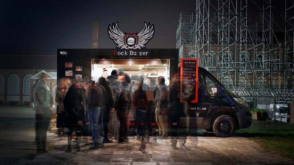 the brand is not secondary for success in street food business
