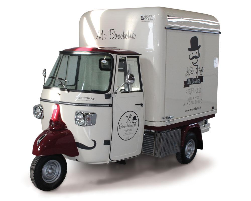 Piaggio truck for street food business Mr. Bombetta