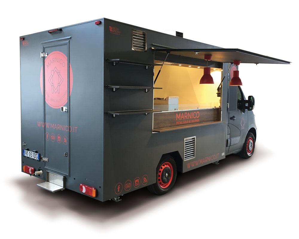 food truck nero e rosso per commercio itinerante e vendita di bigodi. Azienda Marnico