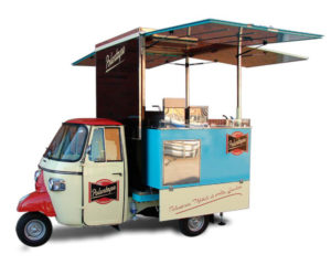 piaggio food truck for itinerant sale of polenta
