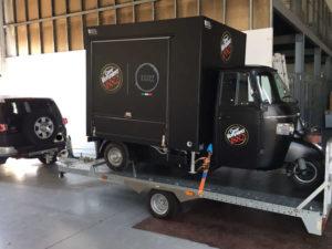 Neue TR Ape Kaffeemobil Vergnano zur Auslieferung bereit. In den nächsten Wochen wird er eine Präsentationstour machen