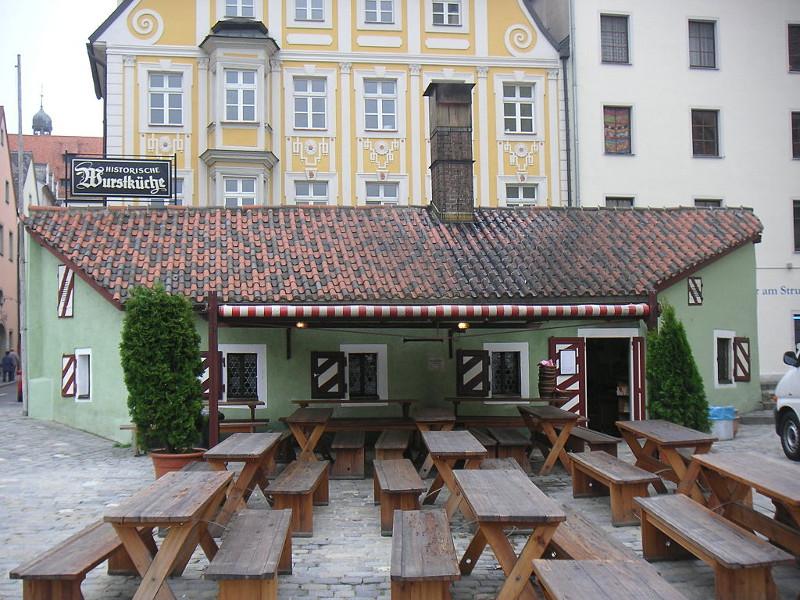 Ristorante più antico del mondo che vende cibo di strada a Ratisbona