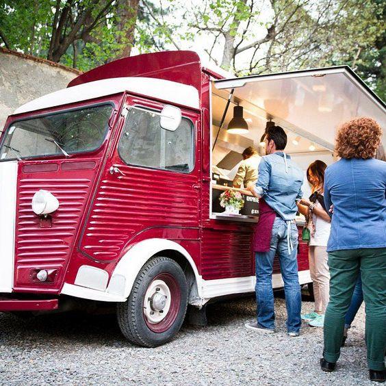 Il food truck vintage Rolling Star realizzato su Citroen H