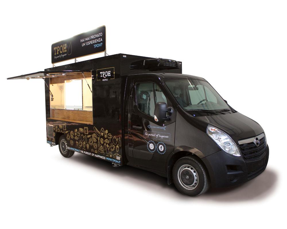 Food Truck Opel Movano per vendita piadina romagnola. Furgone attrezzato con allestimento di colore nero