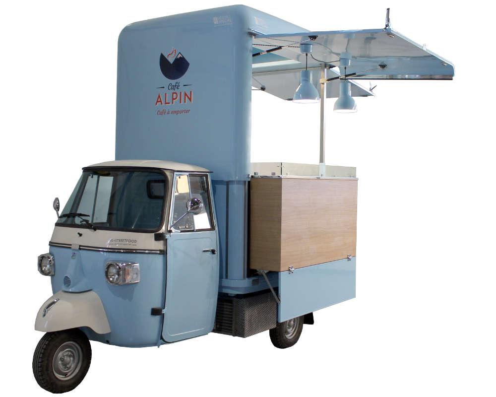 Ape Caffetteria mobile per vendita itinerante di bevande calde a Chamonix (Alpin)