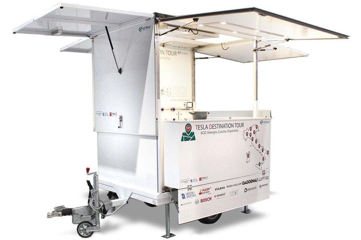 rimorchio street food f-trailer progettato da VS Veicoli Speciali totalmente autoalimentato con pannelli fotovoltaici