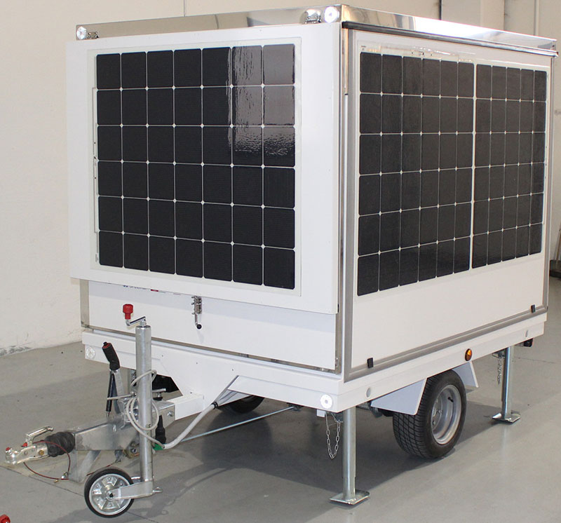 mobile kitchen trailer with battery and solar cells for a ecosustainable energy consumption. F-trailer design for the tesla destination tour