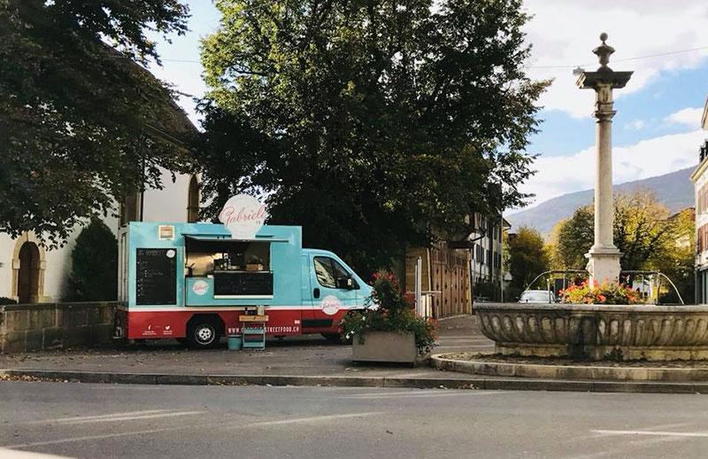 food truck fiat ducato gabriele street food in una piazza svizzera
