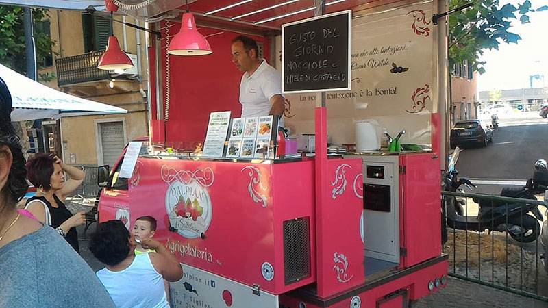 buying a food truck is better than use a gazebo, stand or temporary stall to sell food