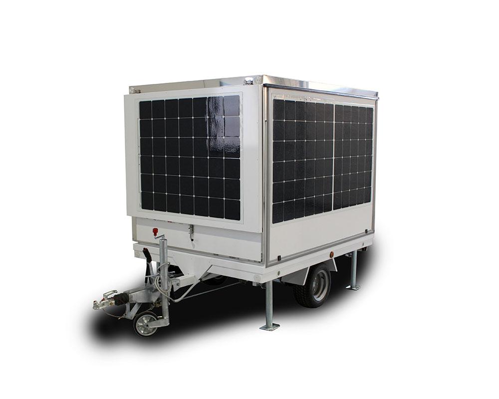 carrello street food ftrailer chiuso a forma ci cubo fotovoltaico per produzione energia solare
