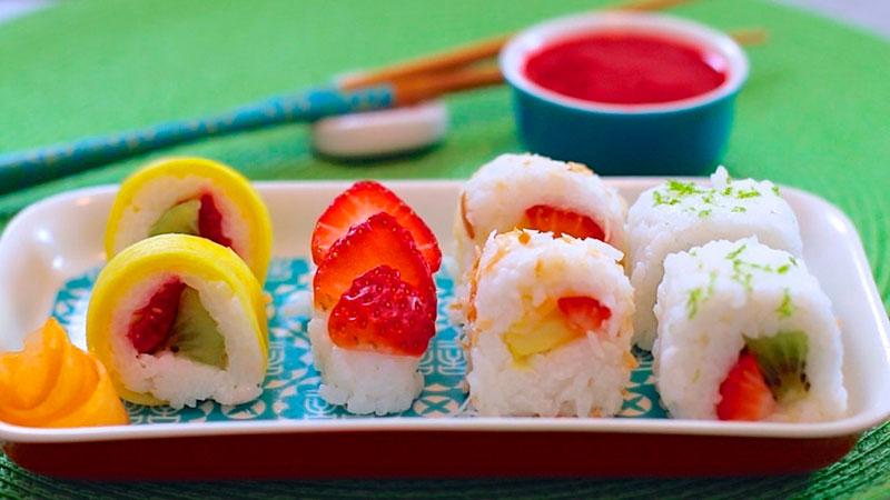 il frushi è un sushi di frutta - cibo di strada contemporaneo a base di riso