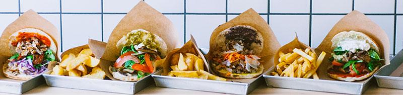 mariu-kebab cibo di strada originale inventato a milano praticamente un kebab made in italy con ingredienti italiani di alta qualità