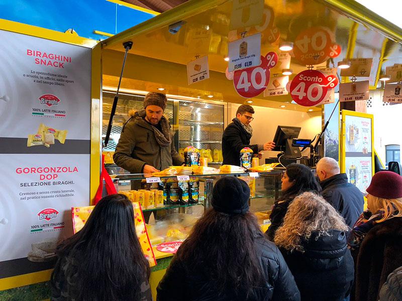 promo truck biraghi furgone renault master giallo con prezzi promozionali sui formaggi