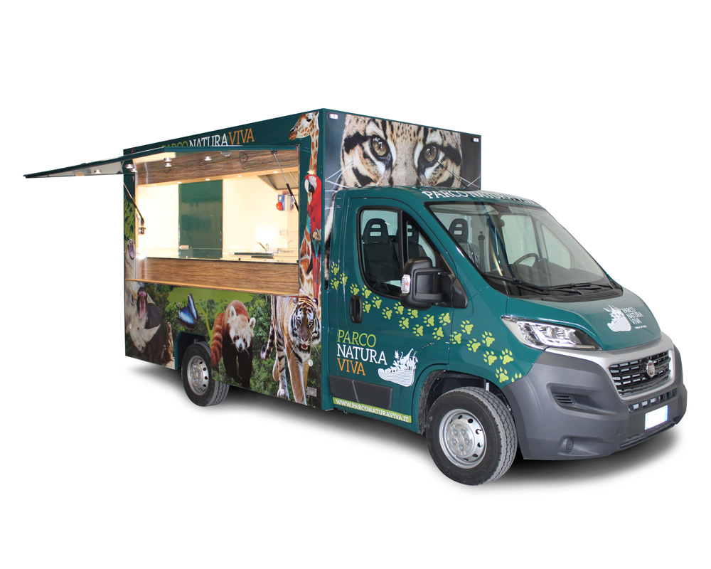 ristorante mobile fiat ducato per cucina itinerante nel parco di bussolengo