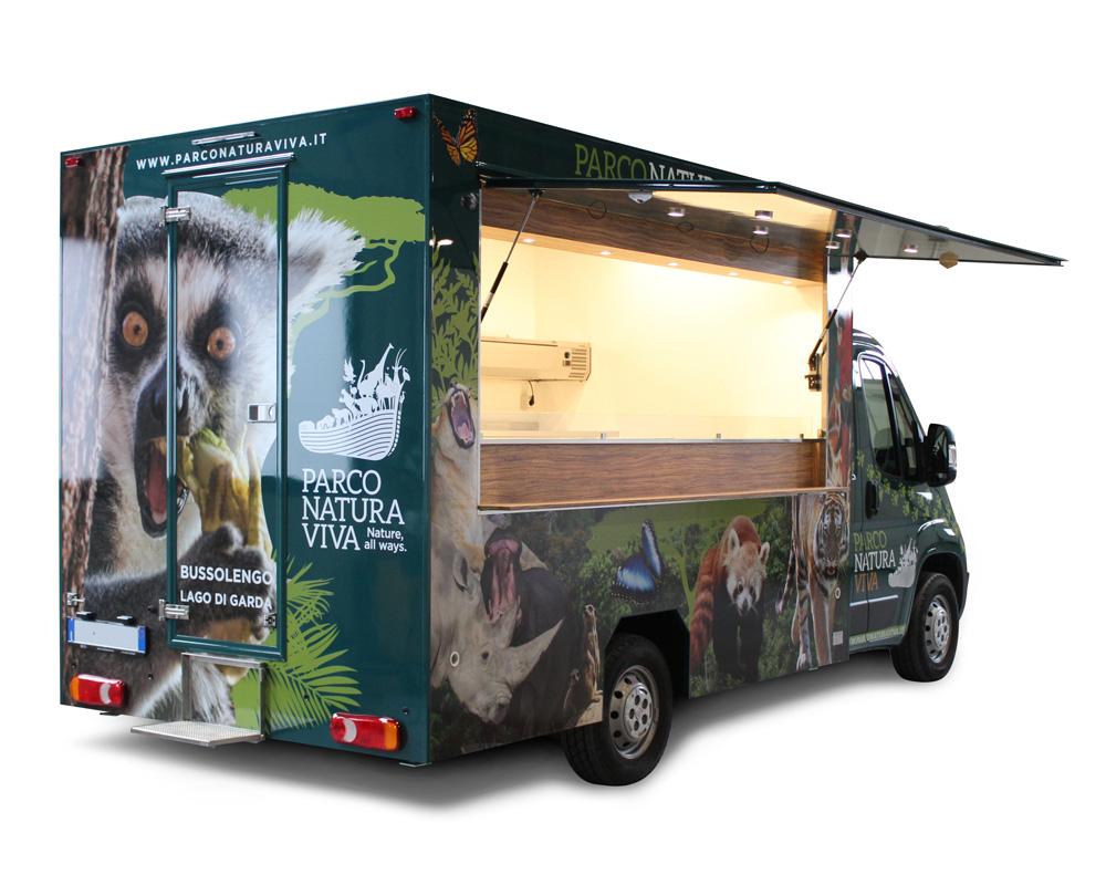 ristorante mobile food truck verde del parco natura viva di bussolengo