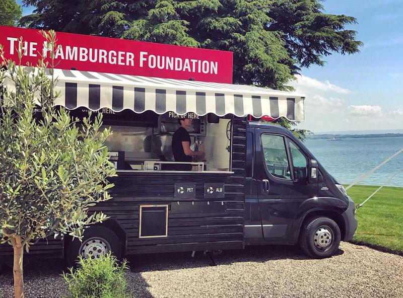 das Hamburger-Stiftung-Beispiel von Unternehmern, die mit einem Food Truck angefangen haben und dann das Restaurant eröffnet haben
