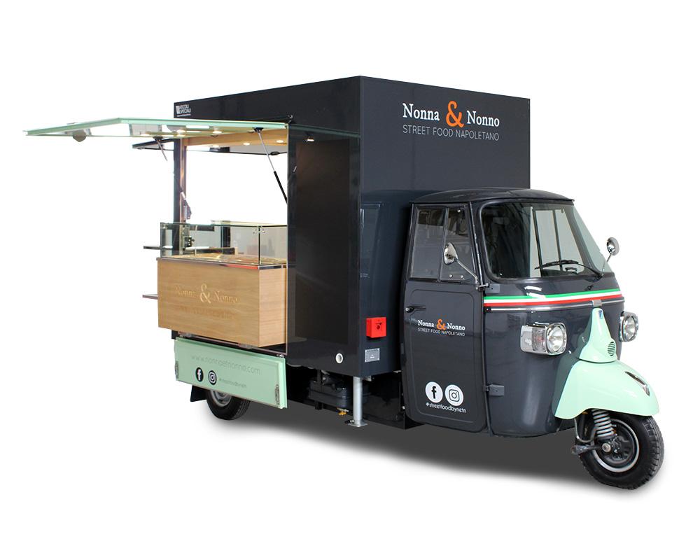 food truck ape piaggio per vendita prodotti italiani a parigi in francia