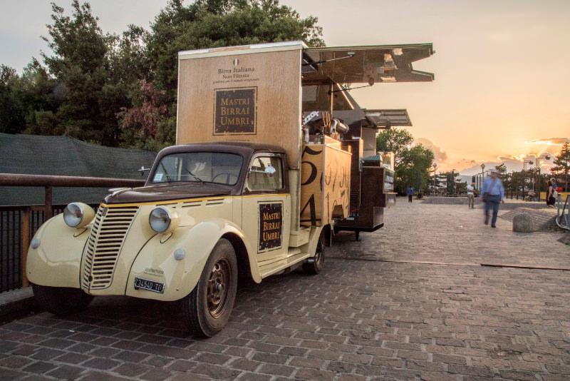 vintage food truck for beer - spillatura itinerante di birra artigianale