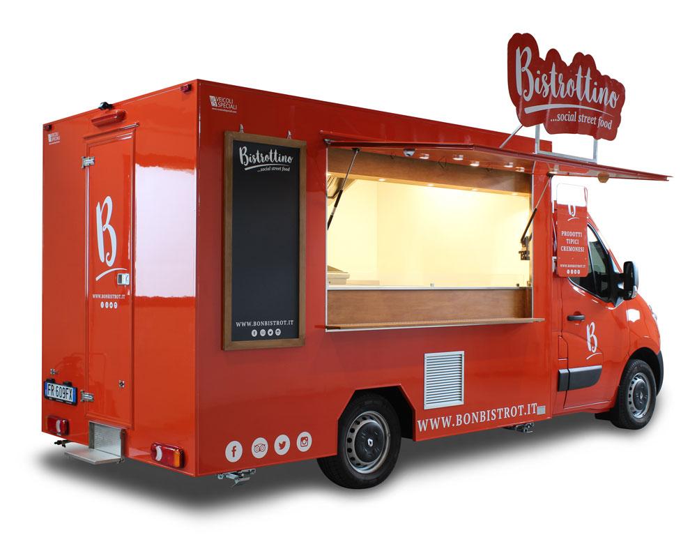 food truck renault bistrottino realizzato su furgone renault master arancione