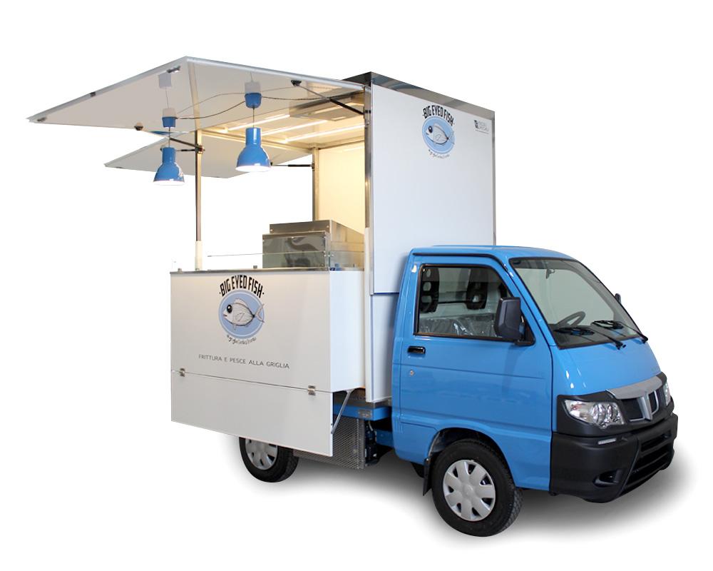 food-truck piaggio porter vendita itinerante pesce