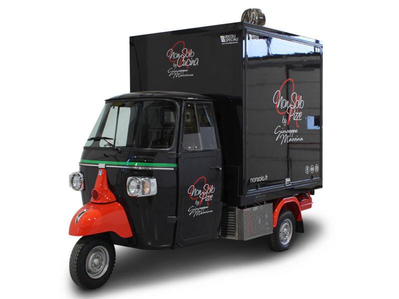 """ape pizza smart per promozione itinerante """"non solo pizze"""" a parigi"""