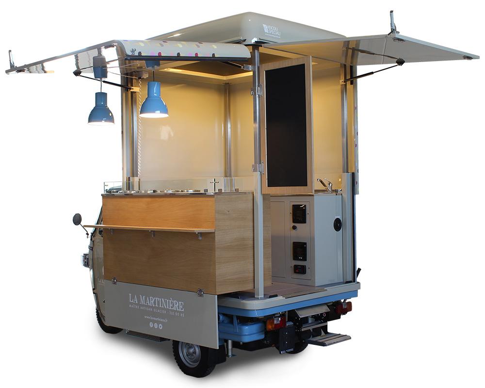 ape vcurve con allestimento street-food per vendita gelati la-martiniere in francia