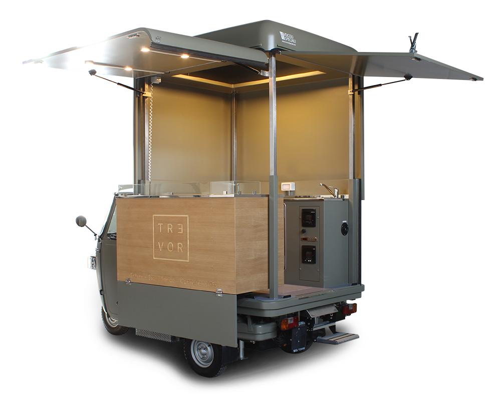 ape vcurve tr3vor per attività street food in svizzera. Ape Piaggio dotata di cucina professionale per lo chef trevor alpignani