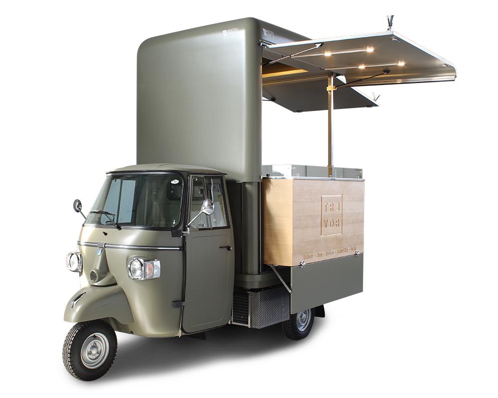 mini-food-truck piaggio ape vcurve progettato per lo chef stellato trevor alpignani e il suo progetto street food nel ticino svizzero