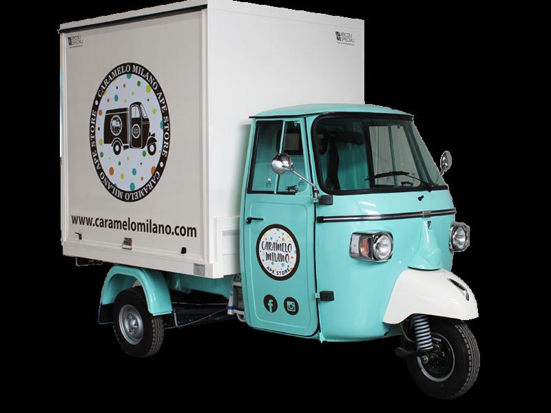fashion truck evenementiel pour promotion de la marque caramelo milan - ape piaggio triporteur model smart transformè en promo truck