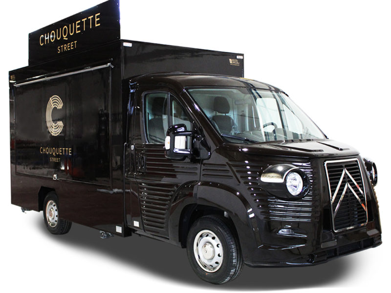 Chouquette is a mobile bakery custom-made retro Food Truck