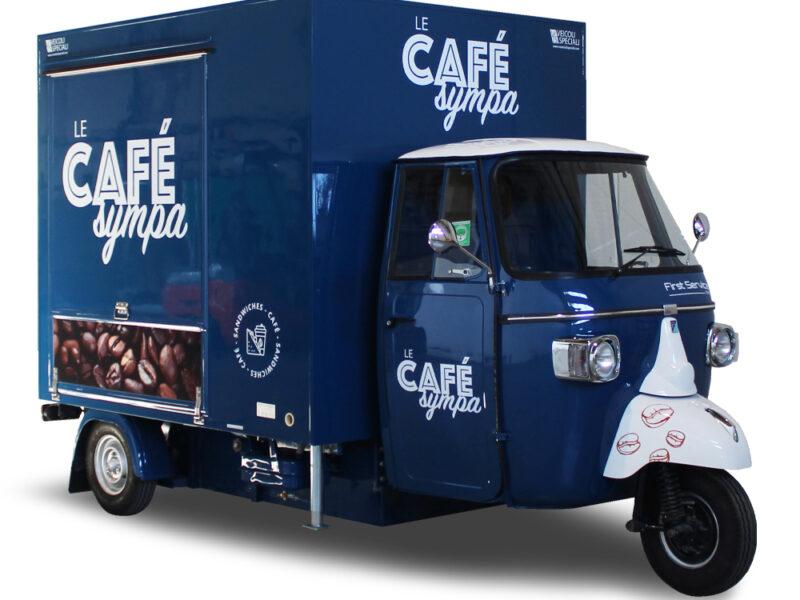 Food Truck Caffetteria dentro Ospedale in Francia. Ape TR® Café Sympa progettato per First Service Group