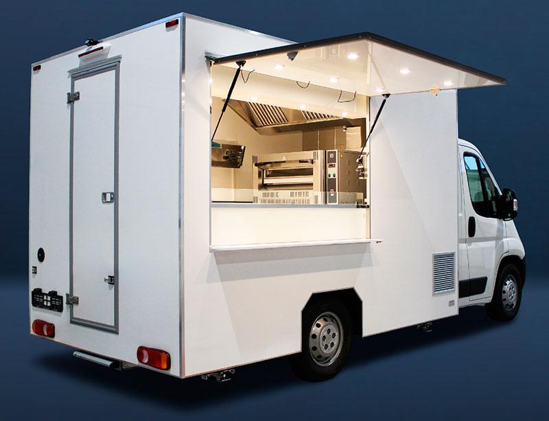 Unlackierter weißer billig Pizza-Truck, der mit dem Nötigsten ausgestattet ist, um die Restaurantgewinne zu maximieren
