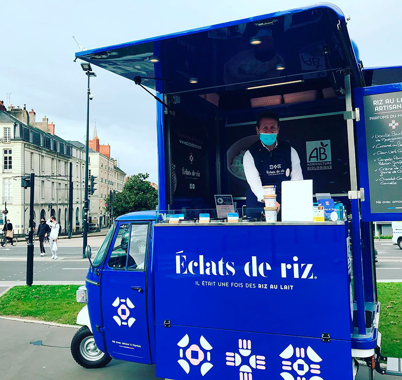 food truck triporteur vendu en France et personnalisé selon les demandes des clients