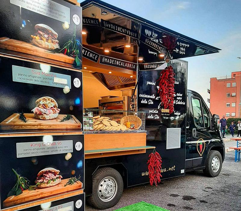 prezzo food truck e rapporto costi valore e qualita. Foto della pizzeria food truck Giowa